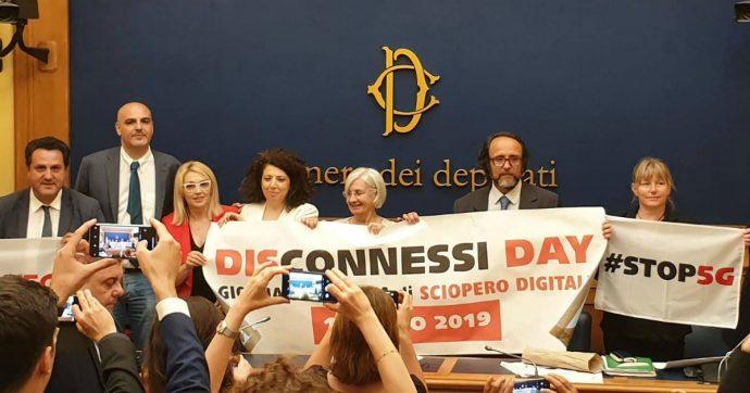 Tecnologia 5G tra petizioni, denunce, iniziative varie e richiesta di nuovi studi sulla pericolosità: le proteste in Italia