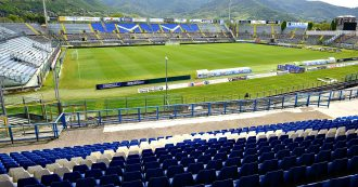 """Brescia, l'abbonamento allo stadio a prezzo intero anche per i tifosi disabili. In Italia una norma non esiste: """"Il club non cambia idea"""""""