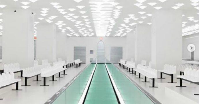 Milano Fashion Week, la sfilata di Gucci interamente carbon neutral: viaggiatori nel tempo dall'aria vintage, in un ambiente clinico stile reparto psichiatrico