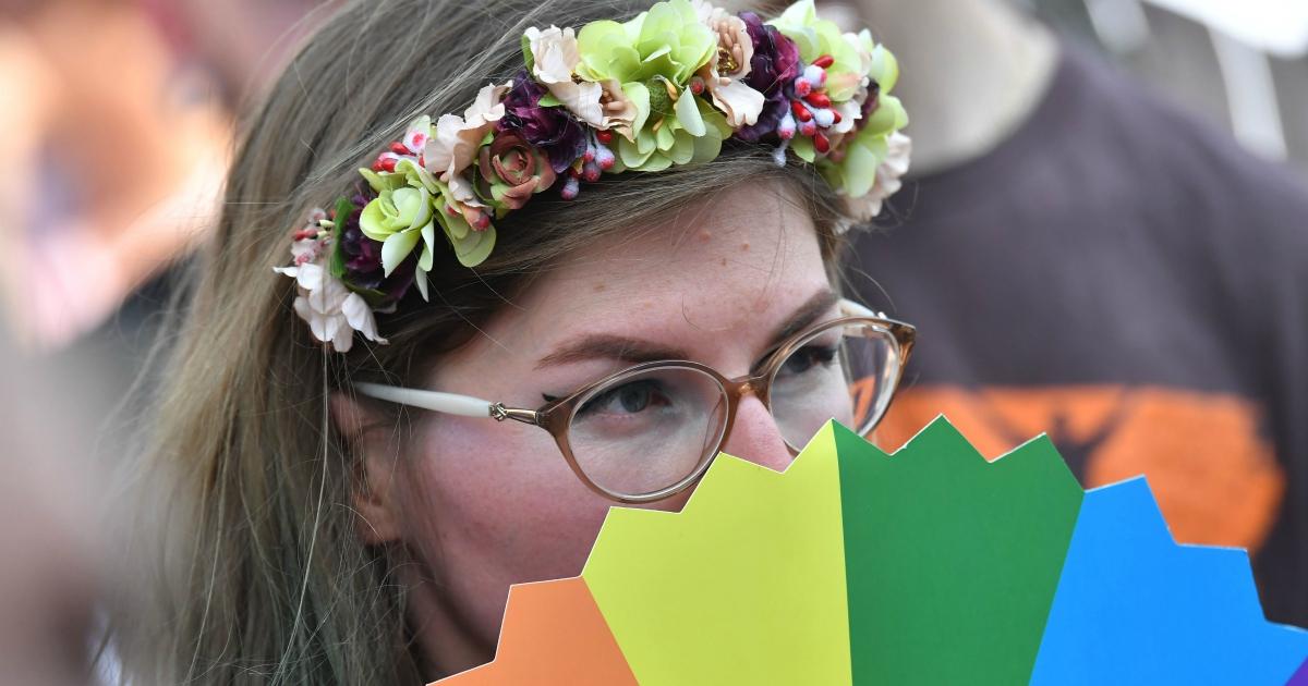 La bisessualità non è avidità né confusione. Ecco perché serve una giornata per celebrarla