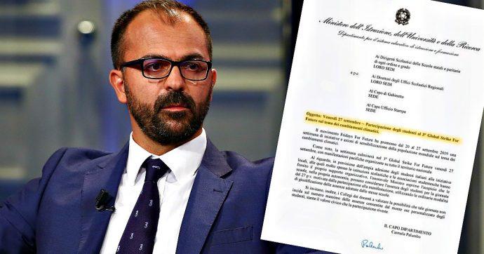 """Global Strike for Future, ministro Fioramonti ai presidi: """"Giustificare chi partecipa ai cortei di protesta contro cambiamento climatico"""""""