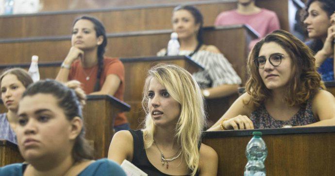 Università, le donne devono scegliere tra maternità e carriera. Quattro azioni per colmare il gap di genere