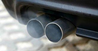 Dieselgate, in Germania nuove accuse ai vertici Volkswagen e Daimler accetta di pagare 870 milioni. Dirigente di Fca arrestato in Usa