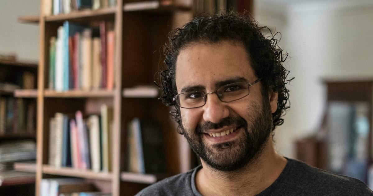 """Egitto. Arrestato Alaa Abdel Fattah, volto della Primavera araba. Sorella: """"Non si sa dove sia"""". Ong locale: """"In una settimana 2.231 arresti"""""""