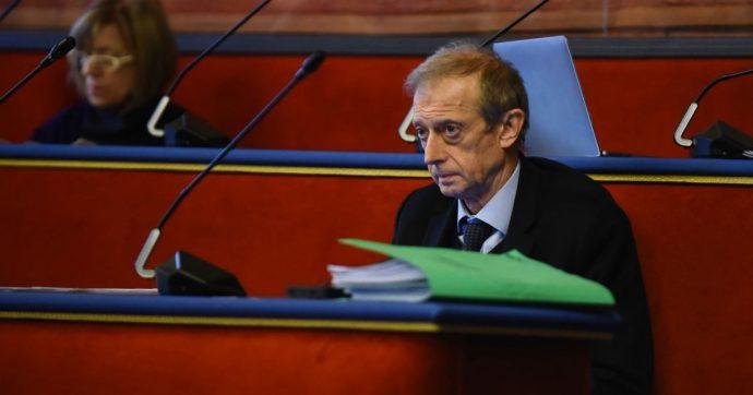 Torino, il deputato dem Fassino si dimette da consigliere comunale dopo le polemiche nel Pd per il doppio incarico