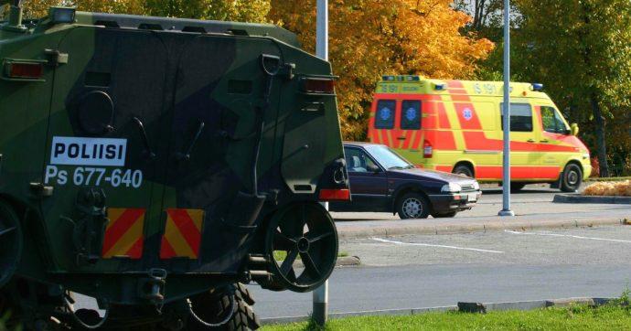 Finlandia, un morto e almeno 10 feriti in un centro commerciale a Kuopio. Polizia ferma un sospetto armato di spada