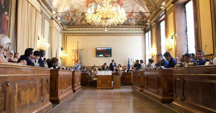 """Bologna, la città dichiara """"stato di emergenza climatica"""". E lo fa accettando il manifesto degli attivisti di Extinction Rebellion"""