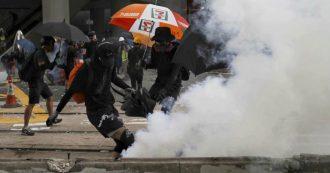 """Hong Kong, manifestante colpito da un proiettile durante le proteste per i 70 anni della Repubblica Popolare Cinese. """"È grave"""""""