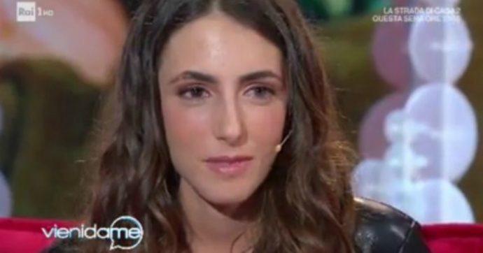 """Vieni da Me, la figlia di Francesco Nuti: """"Sono la tutrice di mio padre"""". E Caterina Balivo si commuove"""