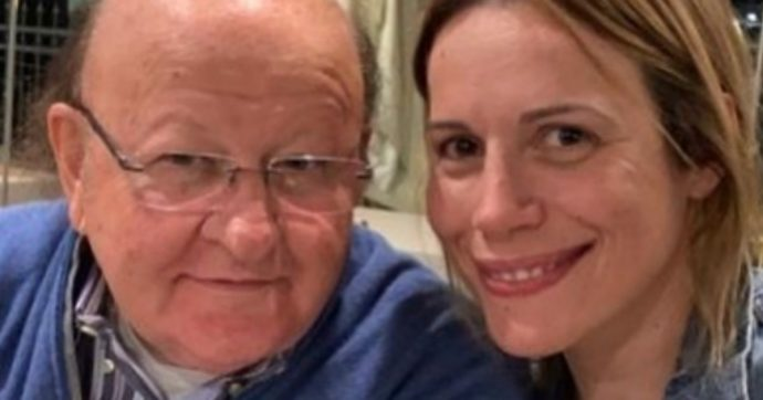 Massimo Boldi paparazzato con la sua nuova fidanzata: ecco Irene, la 40enne che ha rubato il cuore di 'cipollino'