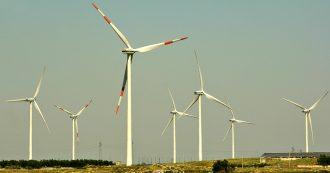 """Energia, lo studio: """"Per solare ed eolico non servono più incentivi. Gli impianti rendono e con il calo dei costi si ripagano da soli"""""""