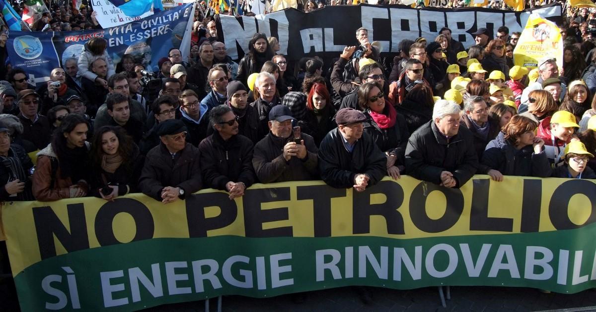 Eliminare le franchigie e aumentare le royalty: la vera lotta al petrolio