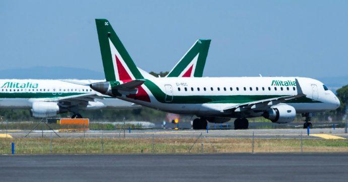 """Trasporto aereo, sciopero di 24 ore il 13 dicembre. Atlantia: """"Non ci sono ancora le condizioni per aderire all'offerta per Alitalia"""""""