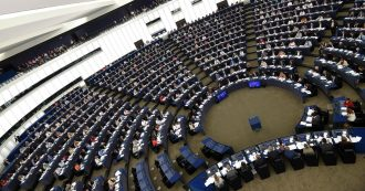 """Brexit, come cambia il Parlamento Ue: 73 eurodeputati Uk con le valigie e 27 """"membri fantasma"""" in arrivo. Lega primo partito"""