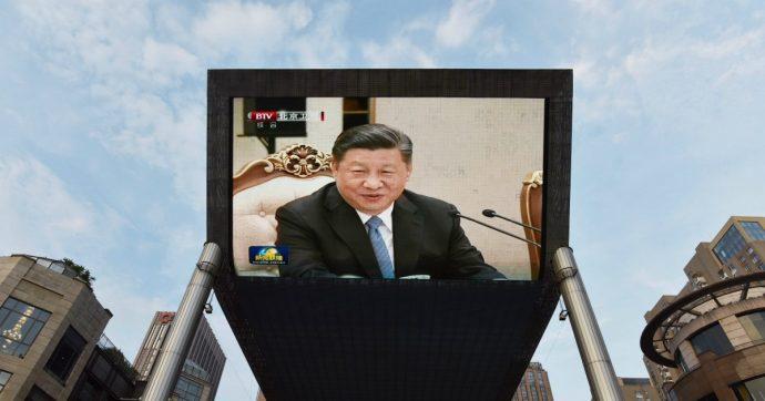 Cina, un esame misura la lealtà dei giornalisti alla filosofia di Xi Jinping: niente tesserino per chi non lo passa (ma si può rifare)