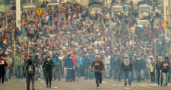 Ecuador, il popolo si ribella e vince il primo round. Ma la lotta continuerà a lungo
