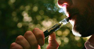 """Sigaretta elettronica, lo studio che raccoglie 5000 articoli scientifici: """"Effetti avversi sugli organi e sulle cellule"""""""