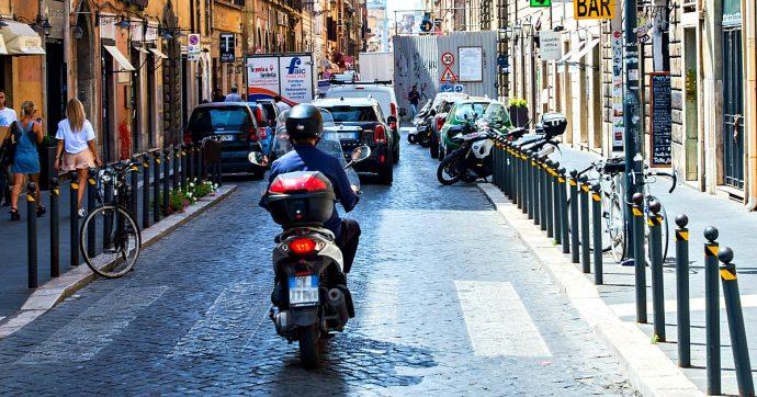 """Clima, Costa: """"Il Dl in consiglio dei ministri"""". Ultima bozza: 'eco buono' anche per motorini, dei sussidi dannosi si discuterà in manovra"""