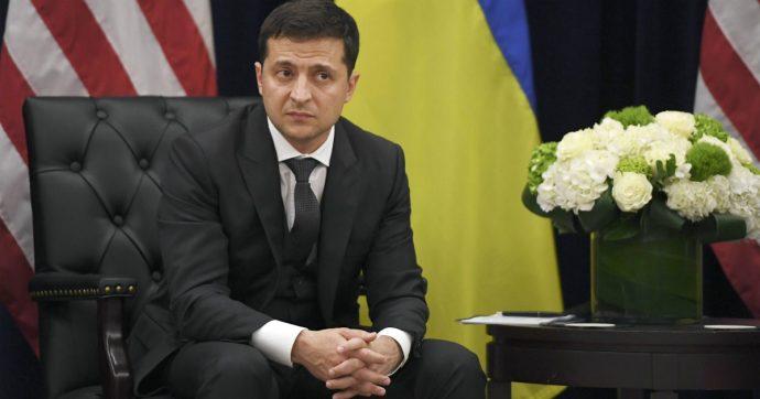 """Ucraina, la """"maratona stampa"""" del presidente Zelensky: per tutto il giorno risponderà alle domande dei giornalisti"""