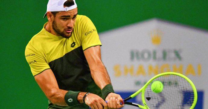 Tennis, Matteo Berrettini batte Dominic Thiem: è in semifinale a Shanghai. Affronterà Alexander Zverev