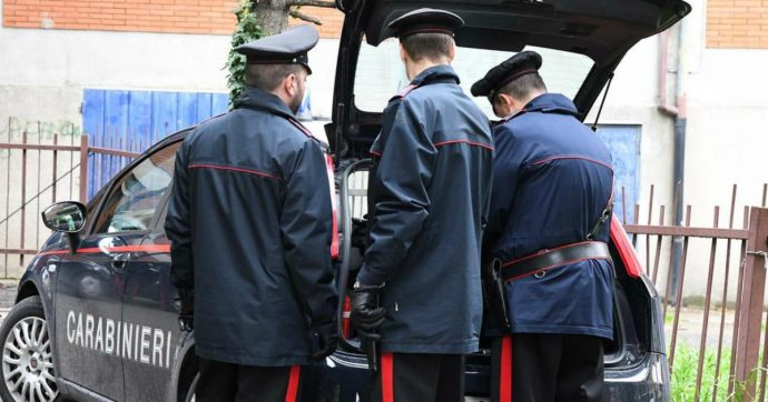 Rimini, finge di ordinare una pizza invece chiama i carabinieri: così 40enne si salva dalla violenza del marito