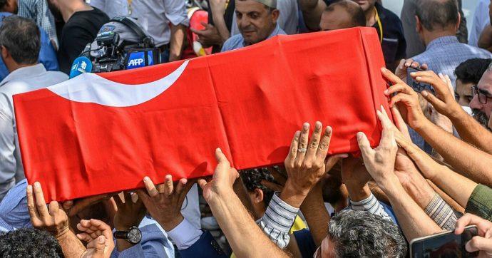 Noi stiamo con i curdi perché odiamo i bavagli