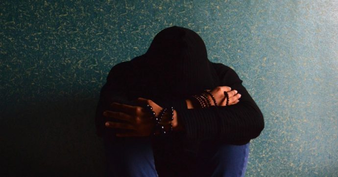 Depressione, secondo un focus colpisce di più donne e poveri. Ma è veramente così?