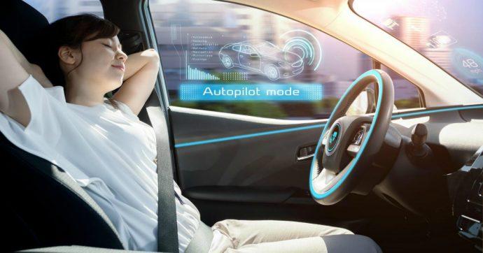 Guidare è un po' sognare: quanto ci divertivamo! Lo sapeva pure Asimov