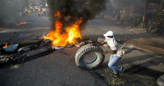 Haiti, proteste contro il governo per tangenti e povertà. Morto un cronista, il terzo in due anni