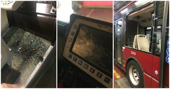 Roma, 24enne distrugge autobus del'Atac e cerca di aggredire l'autista: fermato da un passante e arrestato dalla polizia – FOTO