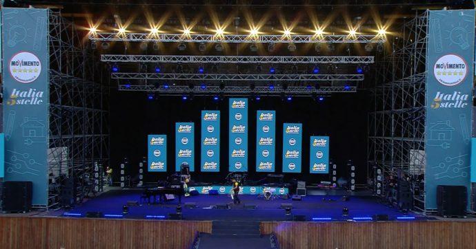 """Italia 5 stelle Napoli: Di Maio, Grillo, Conte, Fico e Casaleggio nell'Arena. Gli organizzatori: """"Oggi 25mila ingressi"""" – la diretta"""