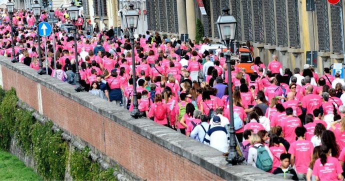 Tumore al seno, ottobre è il 'mese rosa'. Ecco un esempio di mobilitazione eccezionale