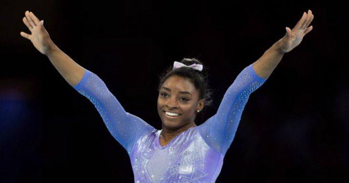 Ginnastica, Simone Biles conquista 2 ori ai mondiali di Stoccarda ed entra nella storia con un nuovo record di medaglie