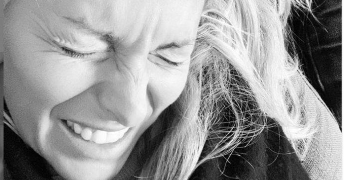 """Federica Fontana, brutto infortunio mentre fa yoga: """"Ho perso la sensibilità al pollice destro"""""""