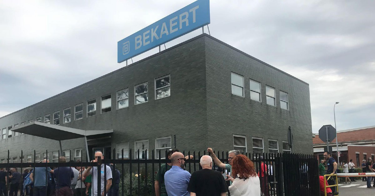 Bekaert avvia i licenziamenti. Operai di nuovo abbandonati