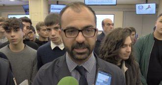 """Lorenzo Fioramonti si è dimesso, il suo post d'addio: """"Ai ragazzi chiedo di non arrendersi alla politica del 'non si può fare"""