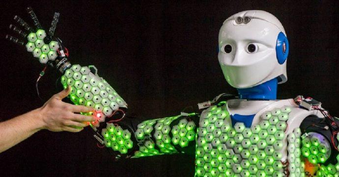 H-1 è un robot con pelle artificiale sensibile che può abbracciare una persona senza ferirla