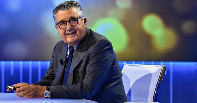 Carlo De Benedetti fonda Domani, nuovo giornale concorrente di Repubblica. Alla sua scomparsa andrà a una fondazione