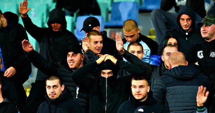 Bulgaria-Inghilterra, cori razzisti e saluti nazisti dei tifosi di casa durante la partita. Si dimette il presidente della Federcalcio di Sofia