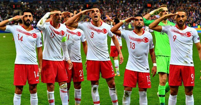 Siria, calciatori turchi esultano con il saluto pro-Erdogan: indagine Uefa. St. Pauli licenzia Sahin. Tifosi contro Calhanoglu e Demiral