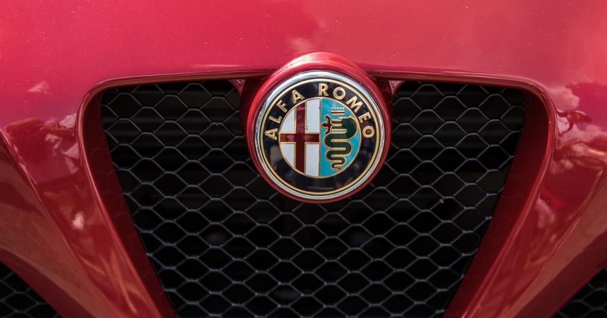 Alfa Romeo invia comunicati inusuali per sottolineare la sua superiorità. Funzionerà?