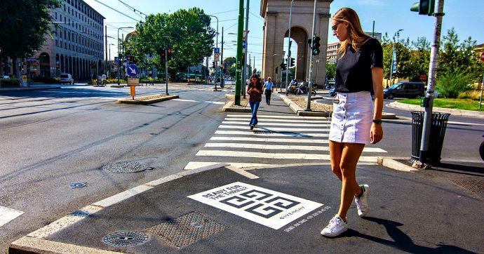 """Pubblicità sì, ma anche ecologica: via i cartelloni, ora ci sono i """"green graffiti"""" con la pittura alimentare. Ed economica"""