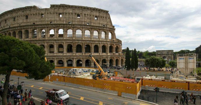 """Roma, la Raggi scrive a Conte: """"Possibile che il tratto Fori Imperiali-Clodio della Metro C costi 2,5 miliardi di euro in più del previsto"""""""