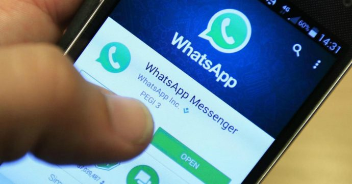 Coronavirus, su WhatsApp arriva Facta: cos'è e come funziona il nuovo strumento per arginare le fake news
