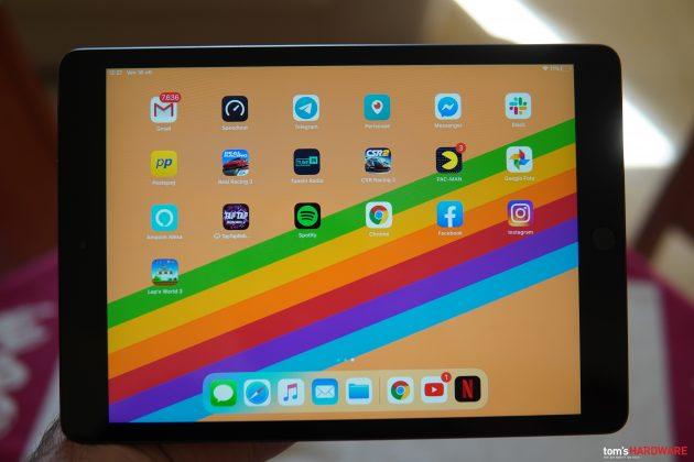 iPad di settima generazione: premiati iPadOS, lo schermo e la tastiera, ...