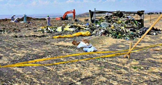 """Incidenti 737 Max, """"Boeing sapeva dal 2016 dei problemi del sistema di sicurezza: prima della certificazione per volare"""""""