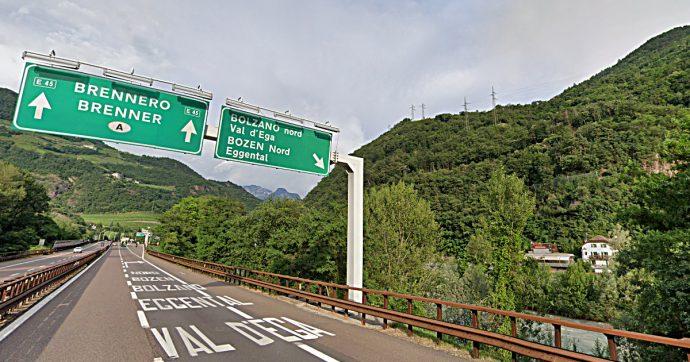 Coronavirus, l'Inail blocca le mascherine cinesi per Bolzano. Ma la Asl provinciale le usa lo stesso