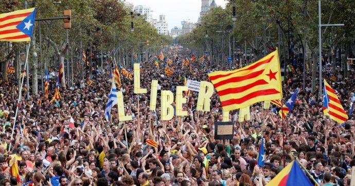 Catalogna, come funziona la piattaforma di Tsunami Democràtic, collettore dei dissidenti che i giudici vogliono chiudere