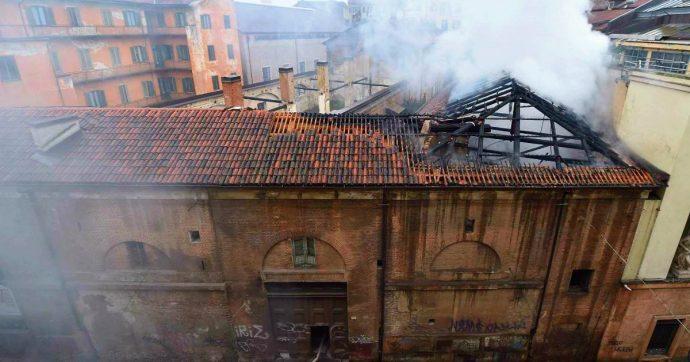 Torino: incendio alla Cavallerizza Reale, fiamme sul tetto. Lo storico complesso è patrimonio Unesco