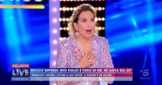 """Live Non è la D'Urso, Rocco Siffredi confessa: """"Al funerale di mia madre mi sono fatto praticare sesso orale"""""""